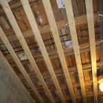 Steg 5: Taksänkning Nya elkablar framdraget till led belysning i tak. Ny gles för att rikta upp befintligt tak.